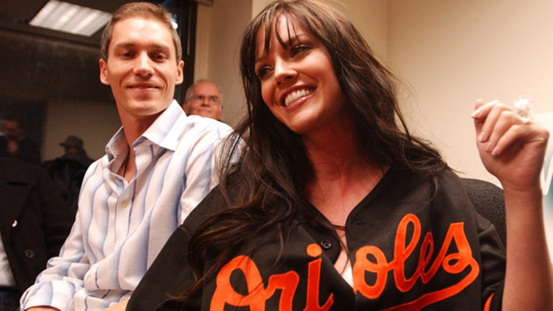 Anna and Kris Benson in 2006 after Kris was traded by the New York Mets to the  Baltimore Orioles.