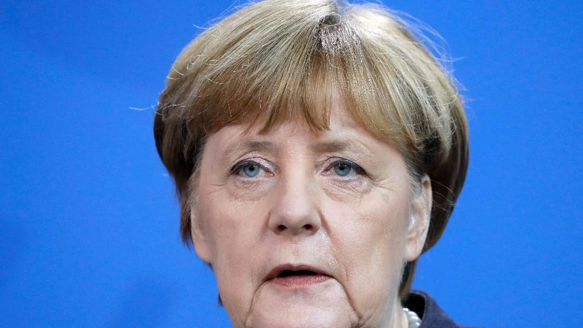 German Chancellor Angela Merkel speaks during a joint news conference as part of a meeting with the Prime Minister of New Zealand Bill English, at the chancellery in Berlin, Germany, Monday, Jan. 16, 2017. (AP Photo/Michael Sohn)