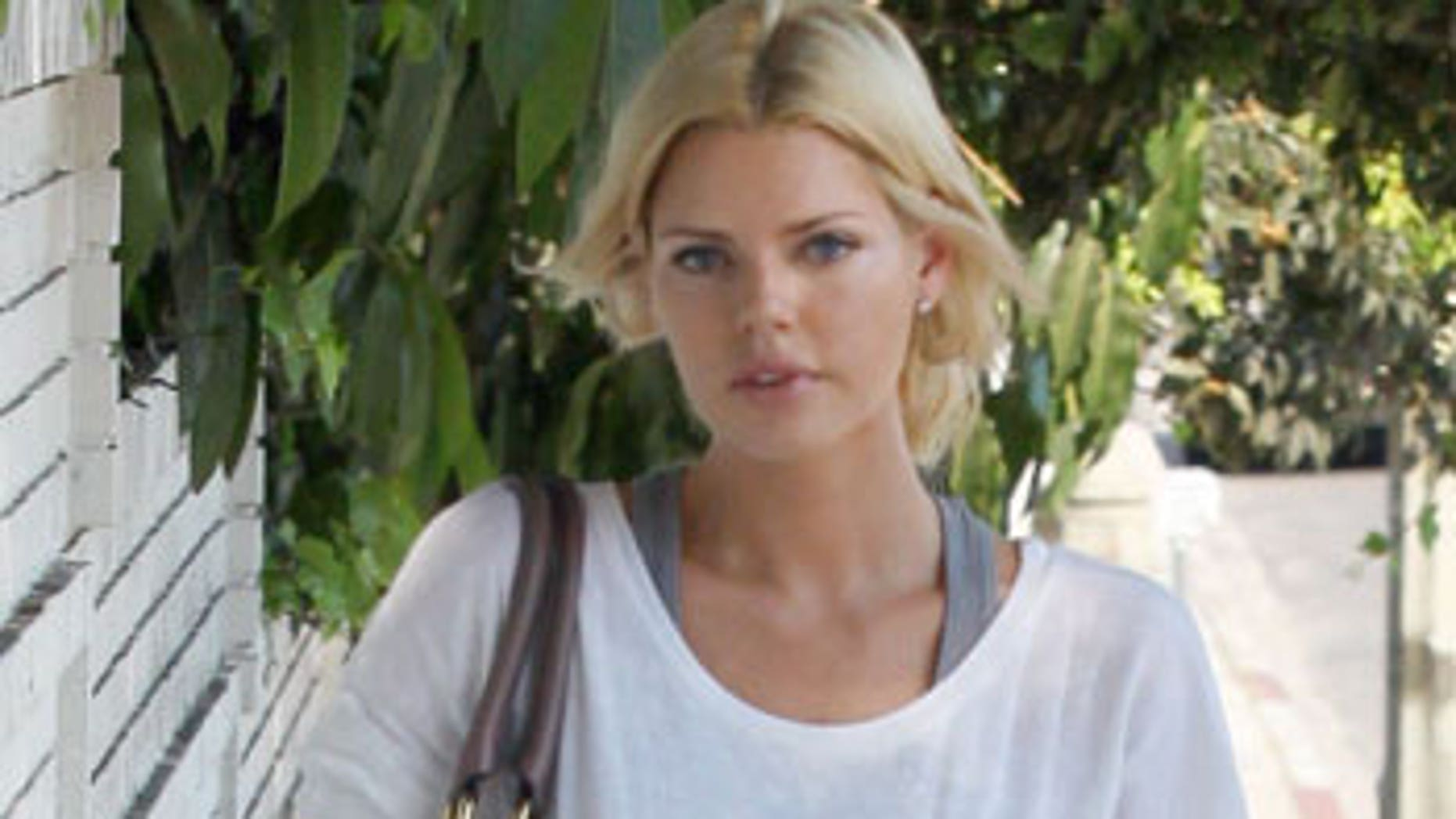 Sophie Monk struts her stuff in Hollywood.