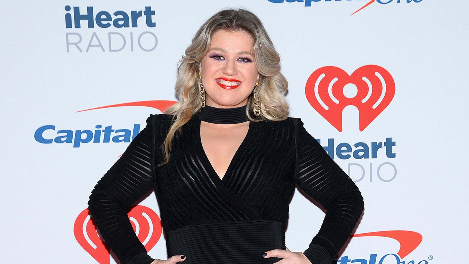 Former 'American Idol' star Kelly Clarkson revealed some holiday weight gain.