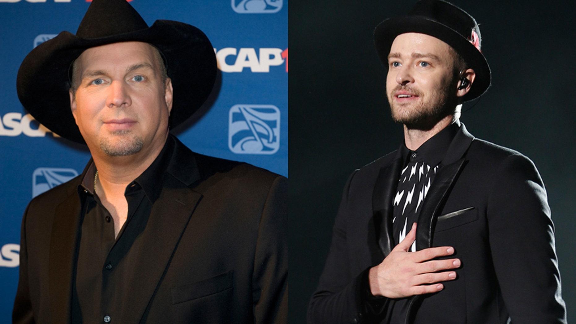 Singers Garth Brooks (L) and Justin Timberlake.
