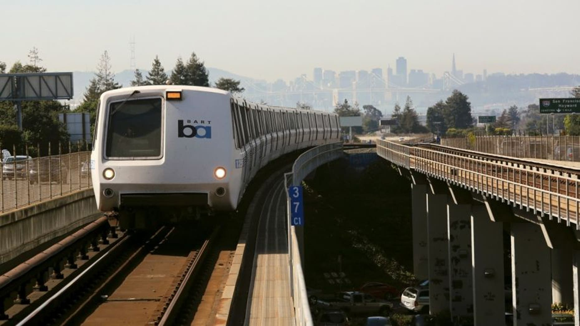 A Bay Area Rapid Transit (BART) train enters the platform area at the Rockridge station in Oakland, California February 12, 2015.  (REUTERS/Robert Galbraith)