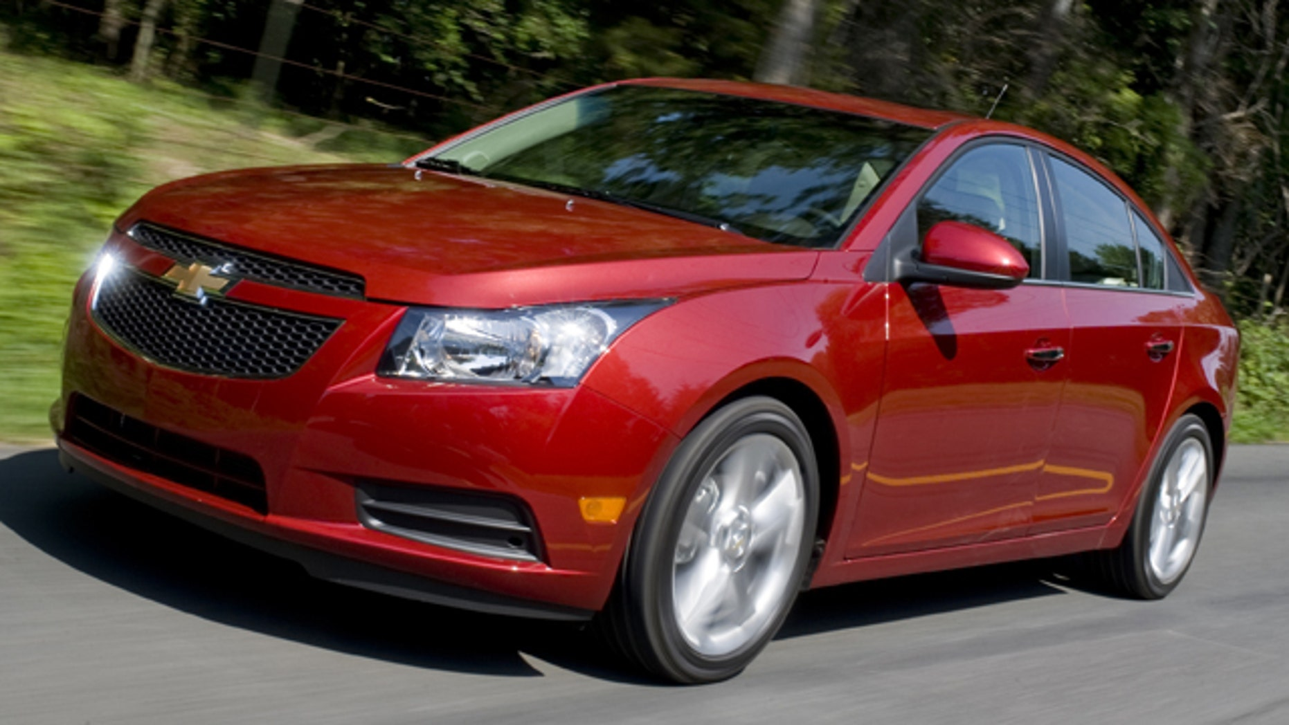 30 engine fires spur Chevy to recall 475,000 Cruze ...