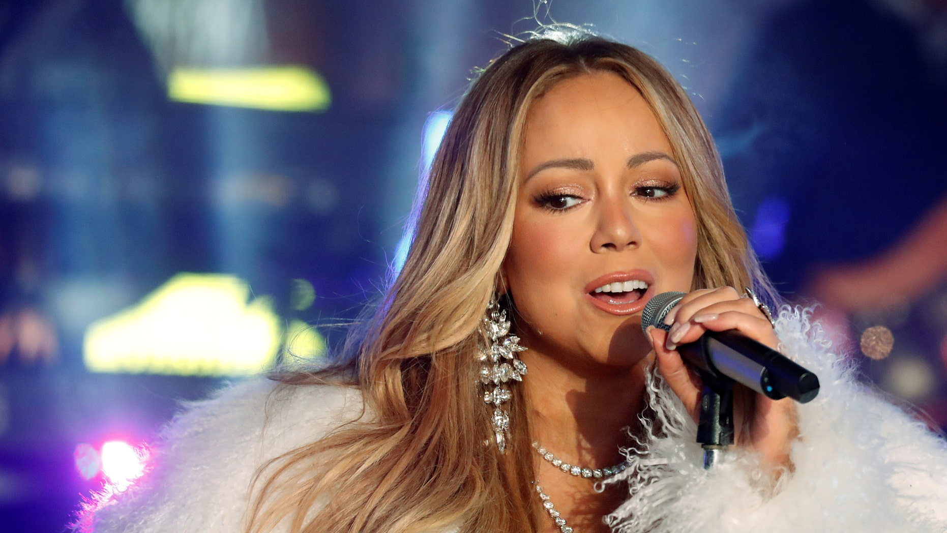 Mariah Carey performs during New Year's eve celebrations in Times Square in New York City, New York, U.S., December 31, 2017. REUTERS/Carlo Allegri - RC1159472B90