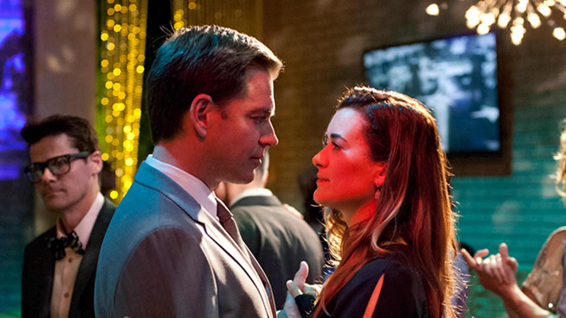 """""""Berlin"""" -- While the NCIS team investigates the murder of a Mossad officer in Virginia, Tony (Michael Weatherly) and Ziva (Cote de Pablo) depart for Berlin as they track her fatherâÃÂÃÂs killer, on NCIS, Tuesday, April 23 (8:00-9:00 PM, ET/PT) on the CBS Television Network. Photo: Richard Foreman/CBS ÃÂé2013 CBS Broadcasting, Inc. All Rights Reserved."""