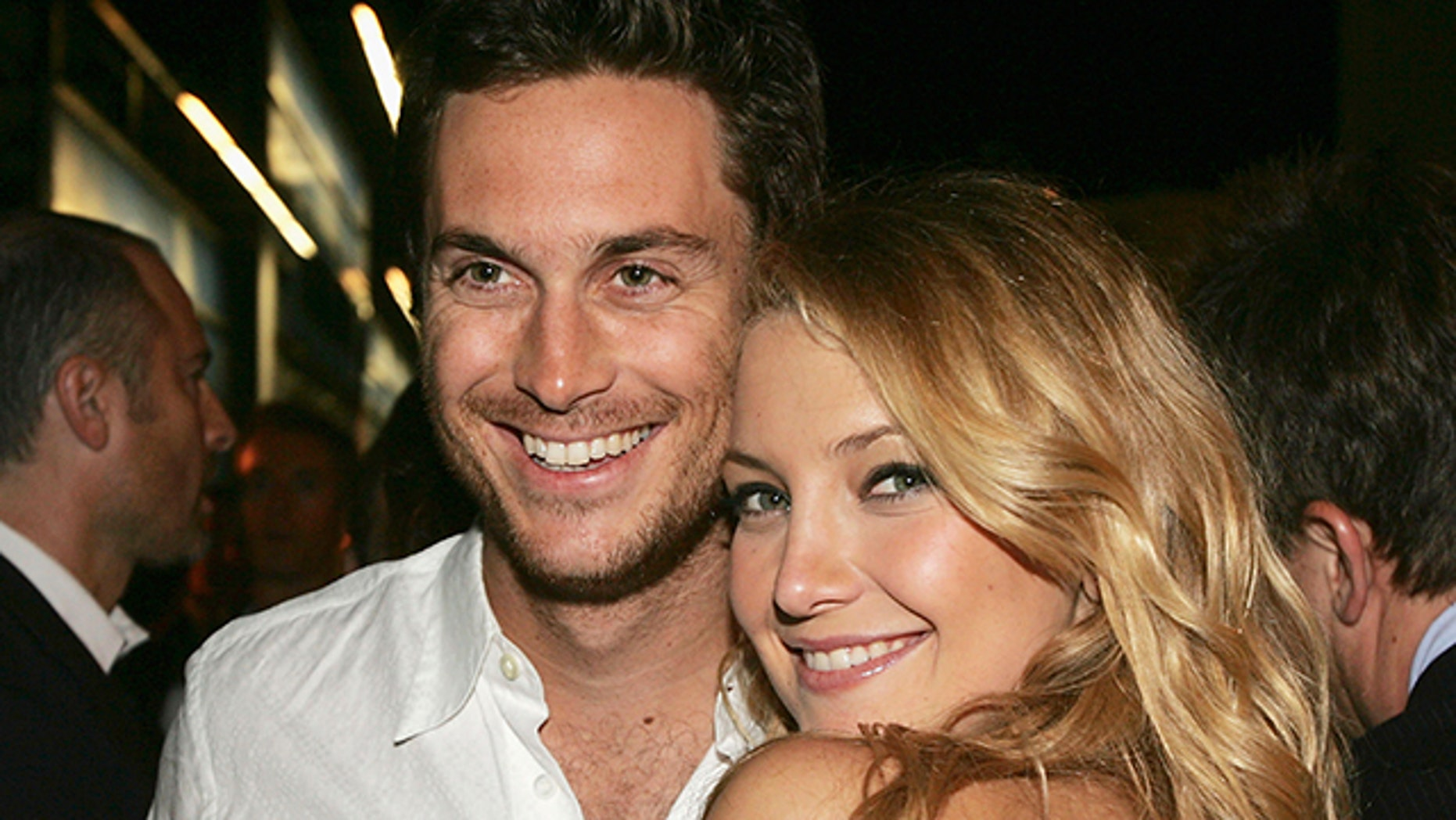 Oliver (left) and Kate Hudson.