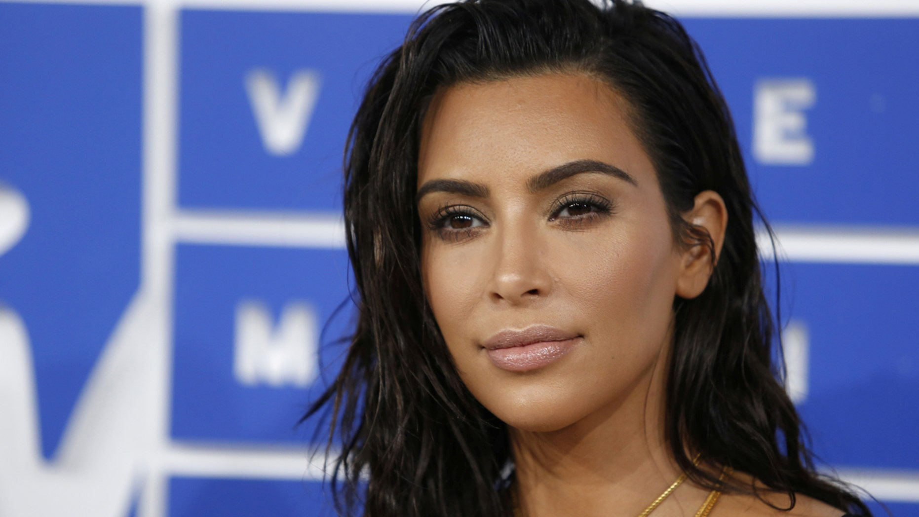 FILE PHOTO: Kim Kardashian arrives at the 2016 MTV Video Music Awards in New York, U.S., August 28, 2016.