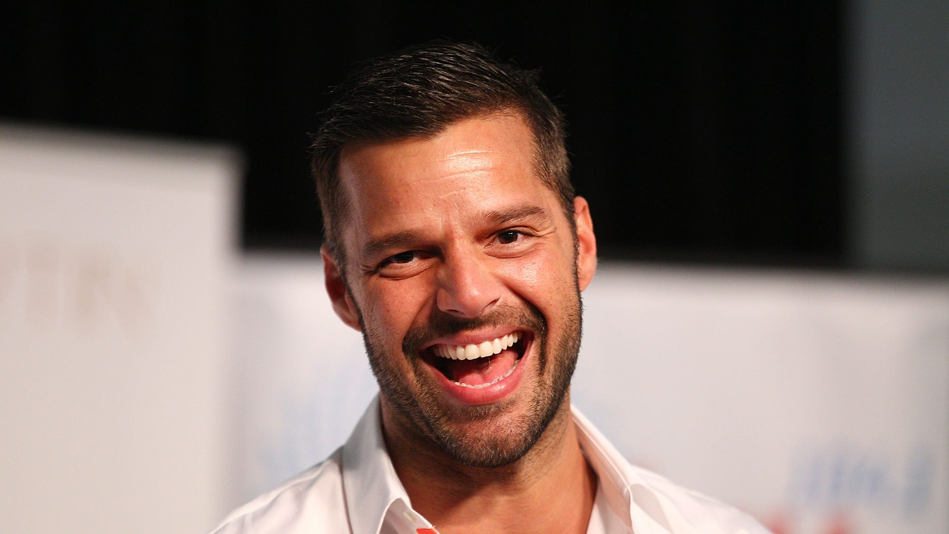 Ricky Martin debuted new facial hair at the 2019 Grammys.