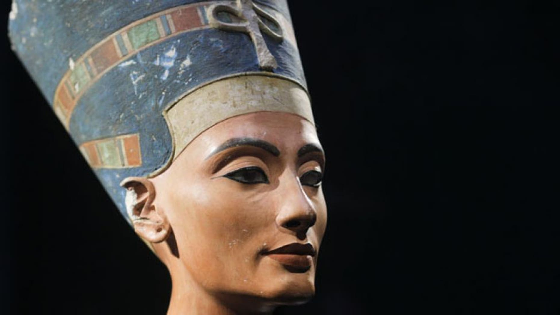 This undated print shows a bust of ancient Egyptian Queen Nefertiti in a Neues Museum in Berlin.