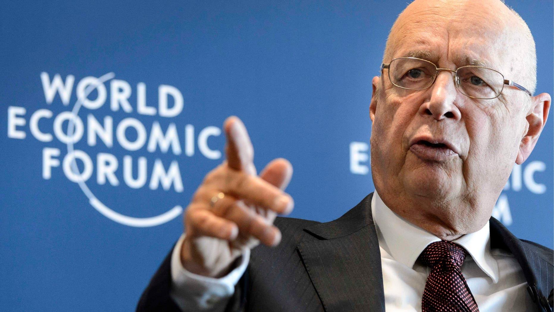 Klaus Schwab, fundador y presidente del Foro Económico Mundial en conferencia de prensa en Cologny, cerca de Ginebra, Suiza, el miércoles 16 de enero de 2013. La cumbre anual del foro en Davos se realizará del 23 al 27 de enero. (Foto AP/Keystone/Laurent Gillieron)