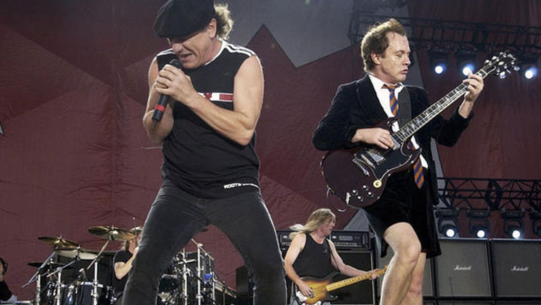 AC/DC performing: Brian Johnson and Angus Young (l-r)