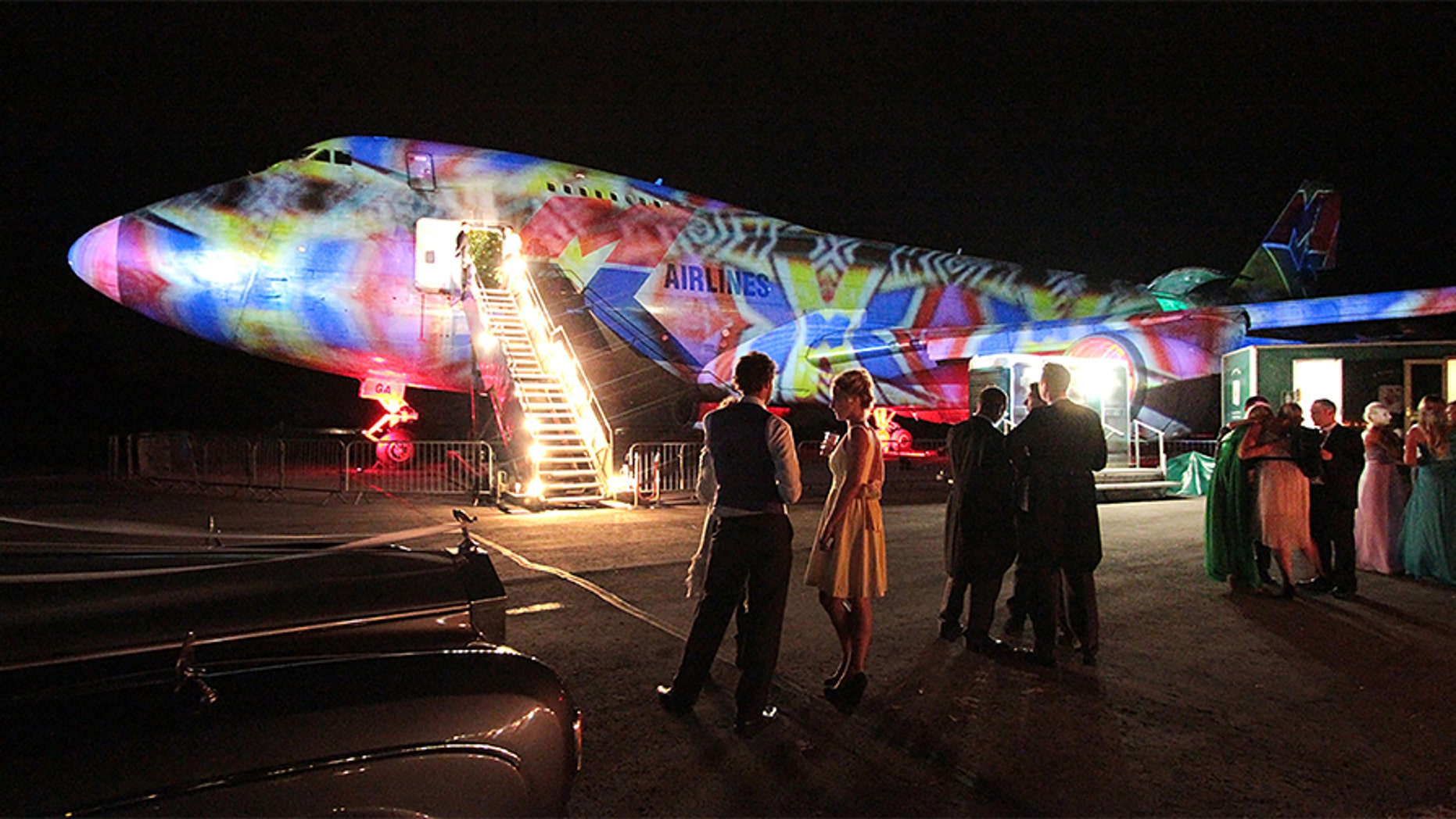 Couples with a love of travel can now get married on the worlds first licensed Boeing 747 party plane.