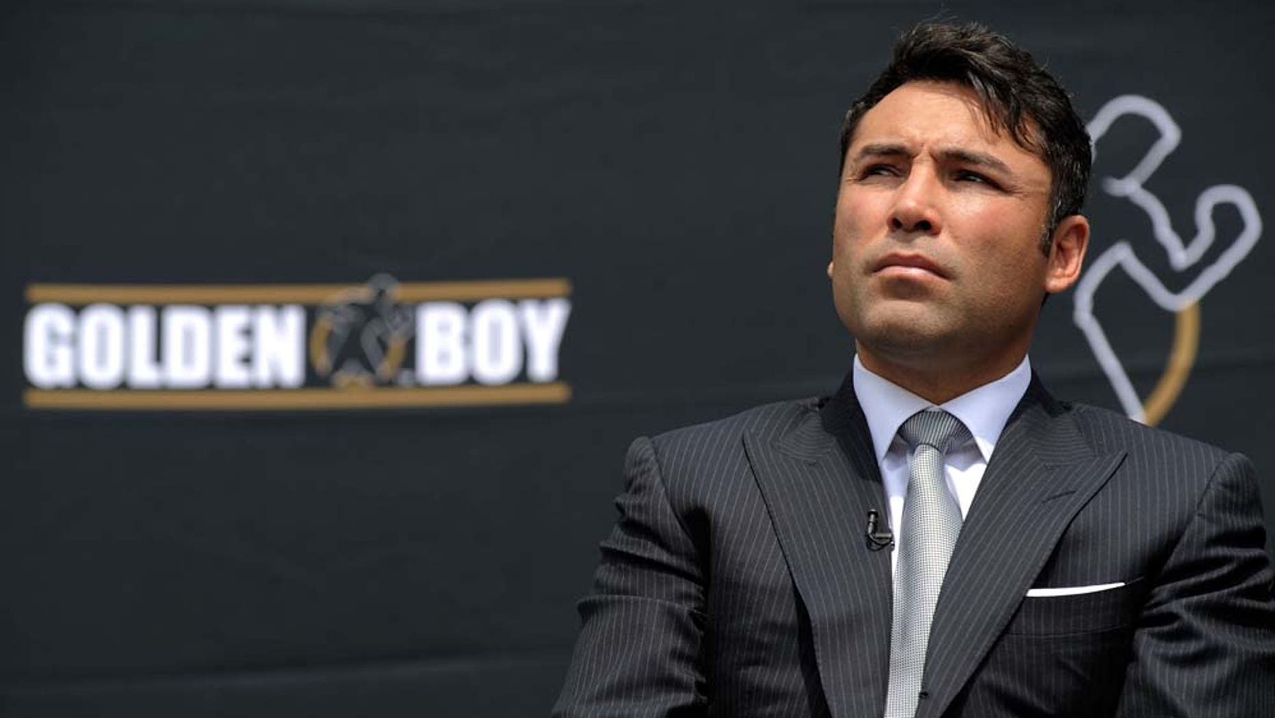 LOS ANGELES, CA - APRIL 14:  Boxer Oscar De La Hoya attends the announcement of his retirement from boxing April 14, 2009 at Staples Center in Los Angeles, California.  (Photo by Kevork Djansezian/Getty Images)