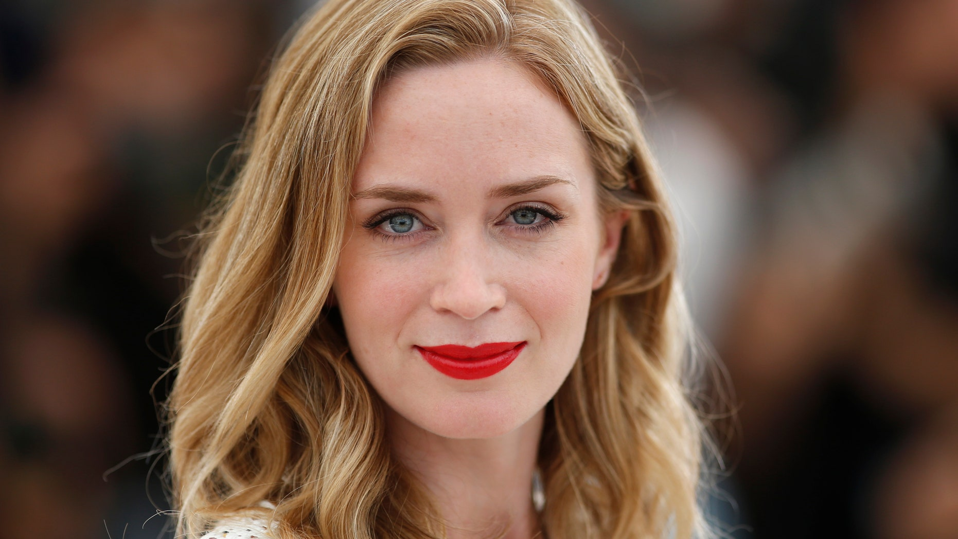 """Cast member Emily Blunt poses during a photocall for the film """"Sicario"""" in competition at the 68th Cannes Film Festival in Cannes, southern France, May 19, 2015. REUTERS"""