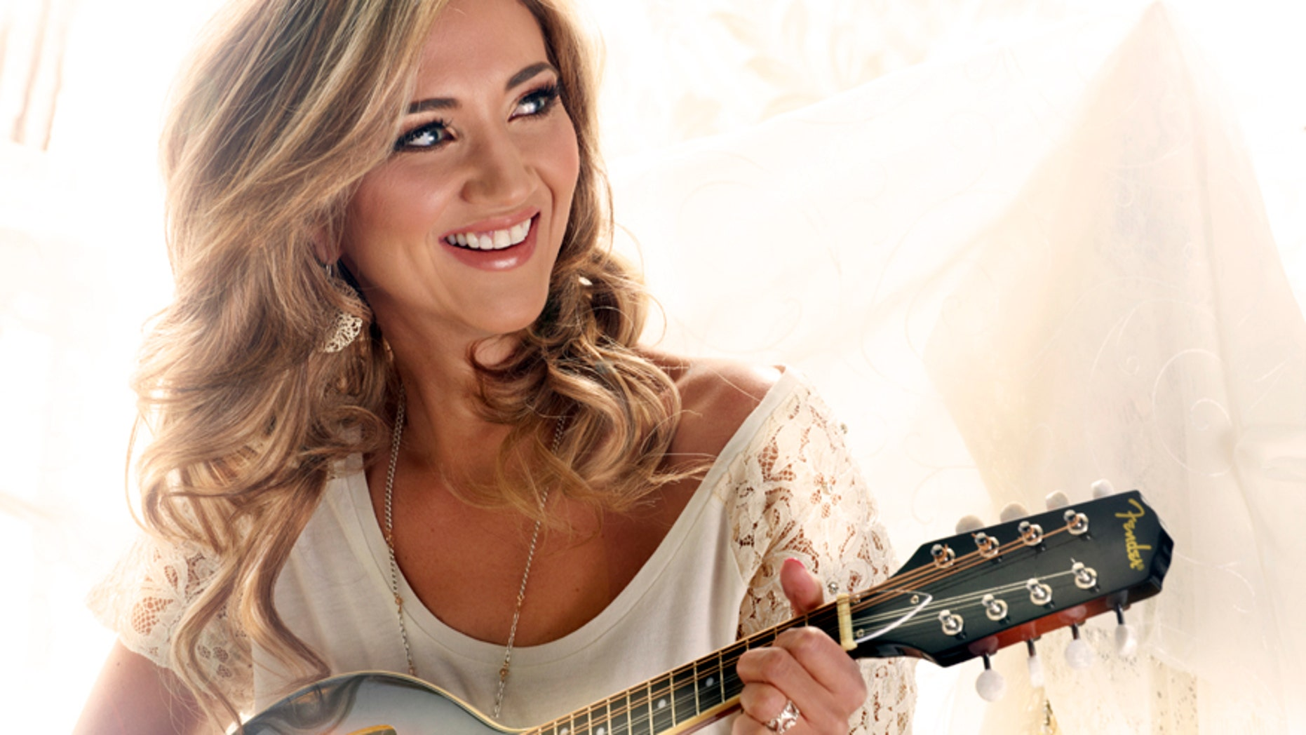 Country singer and 'Rising Star' contestant Sarah Darling.