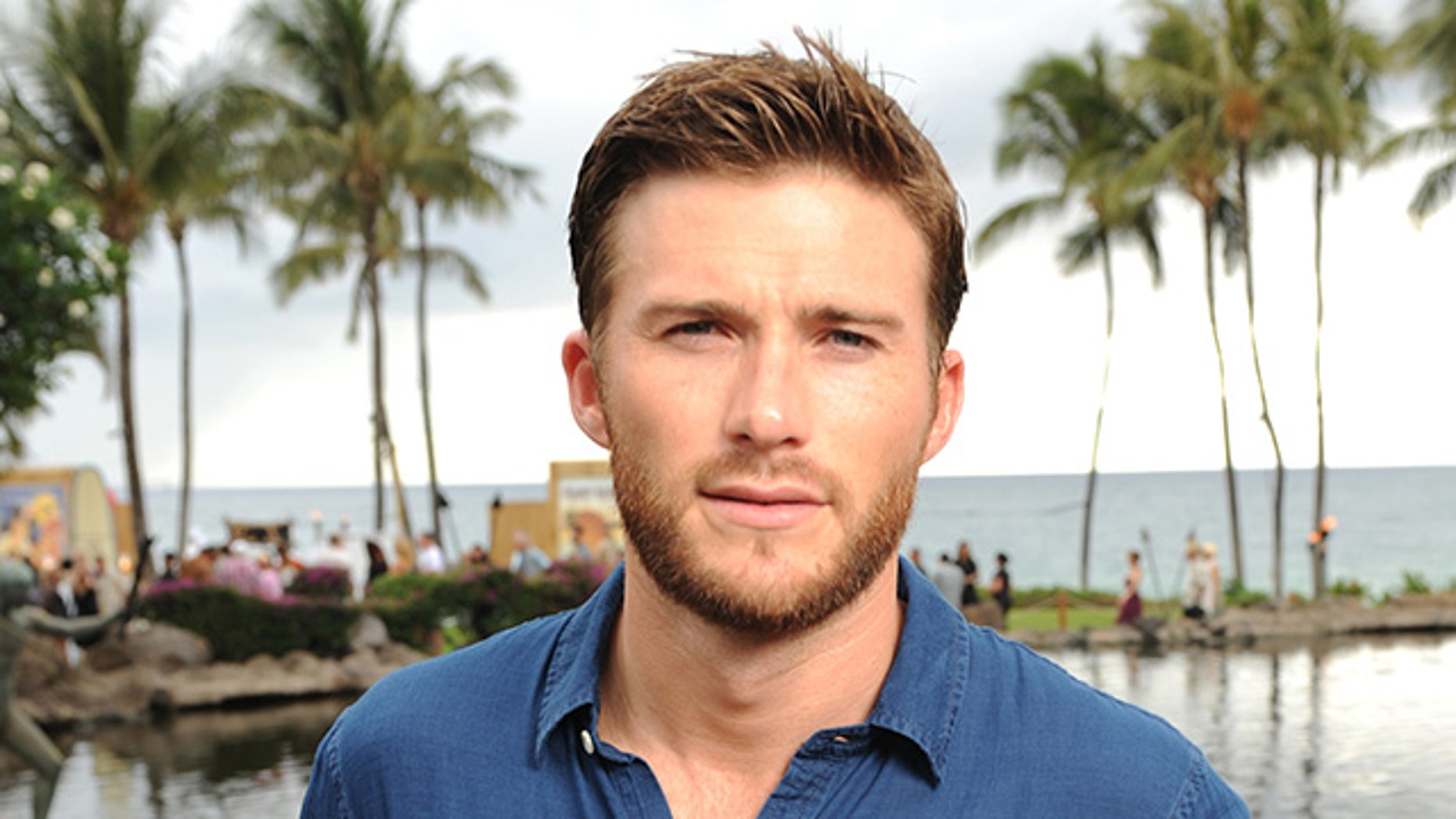 Scott Eastwood filmed a scary encounter with orcas during his trip to Mexico.