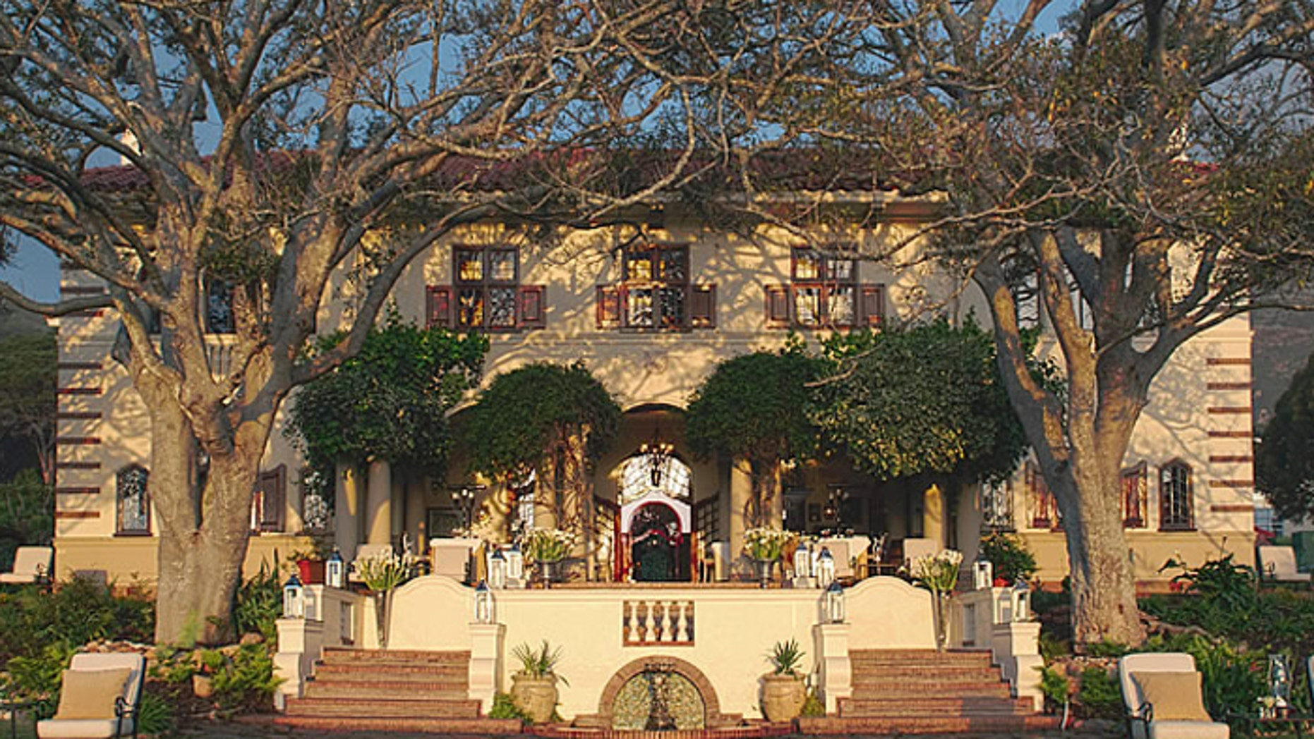 Camps Bay Retreat is a luxury boutique hotel in Cape Town. (CometoCapeTown.com)