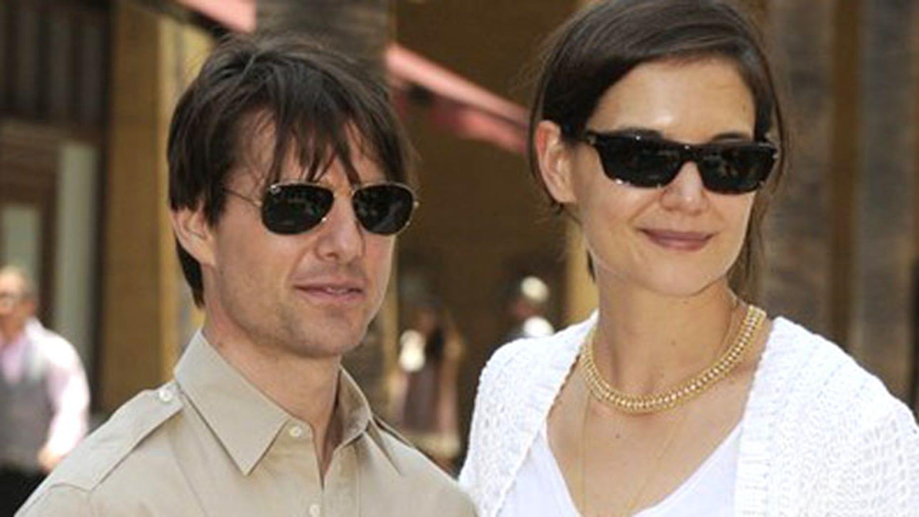 Tom Crusie and Katie Holmes. (Reuters)