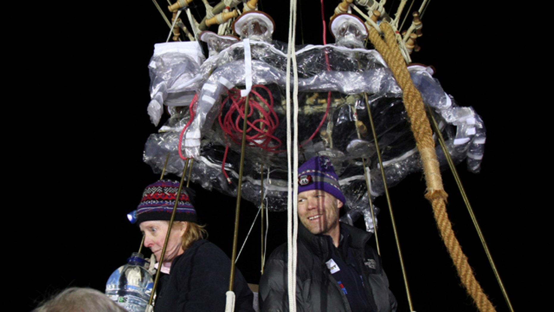 Sept. 25: Balloonists Carol Rymer Davis and Richard Abruzzo launch for the Gordon Bennett gas balloon race at Bristol, England.
