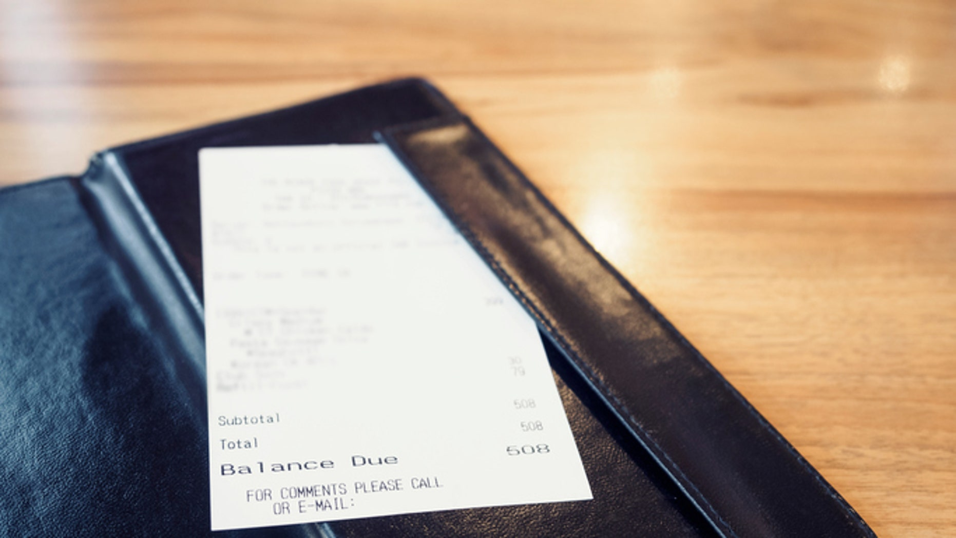 A restaurant in Brooklyn is leaving political notes on receipts.