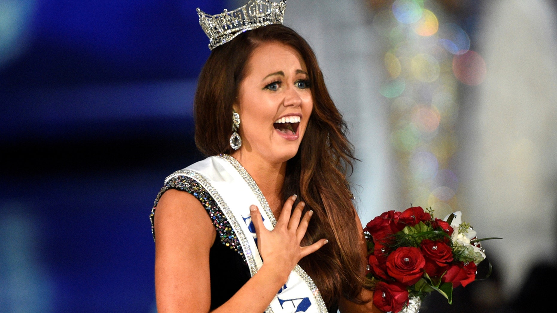 Miss North Dakota Cara Mund reacts after being announced as the winner of the Miss America competition in Atlantic City, New Jersey, U.S. September 10, 2017.  REUTERS/Mark Makela - RC14B81B1000