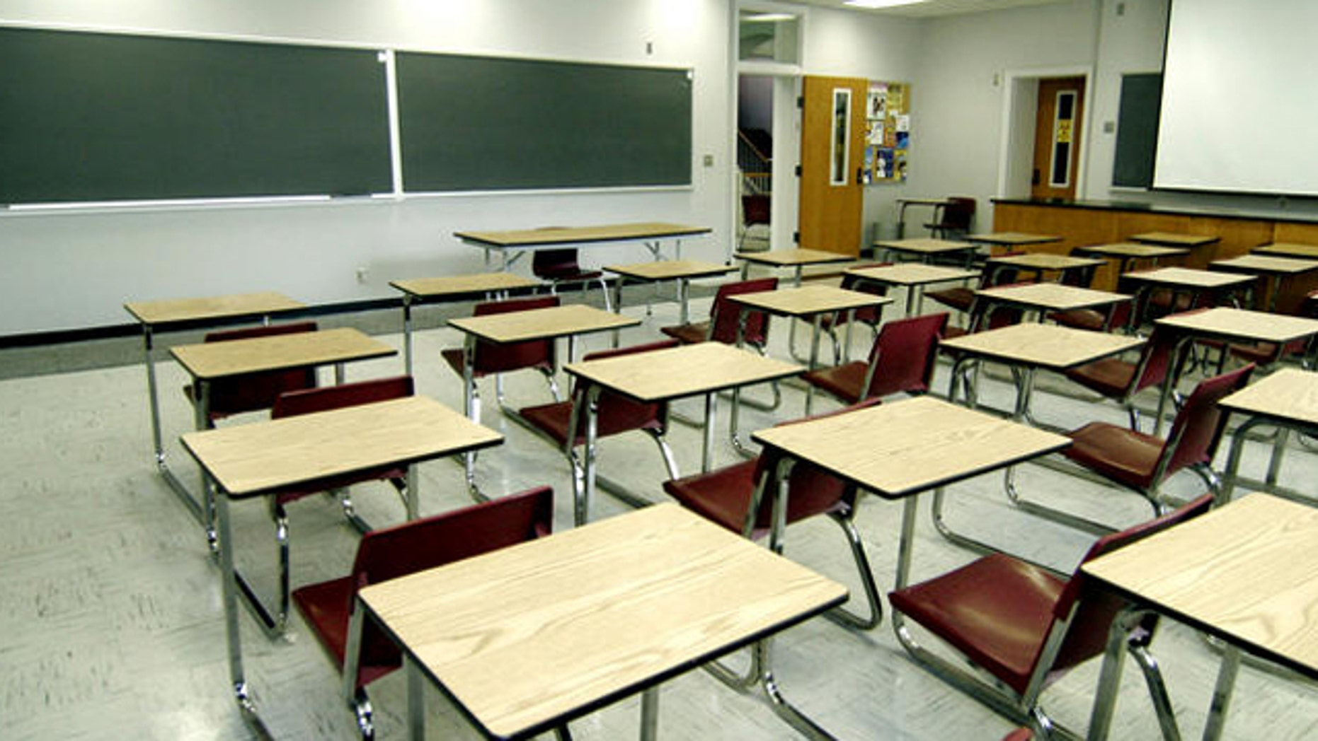 File: June 2006: An empty classroom in Jackson, MIss.