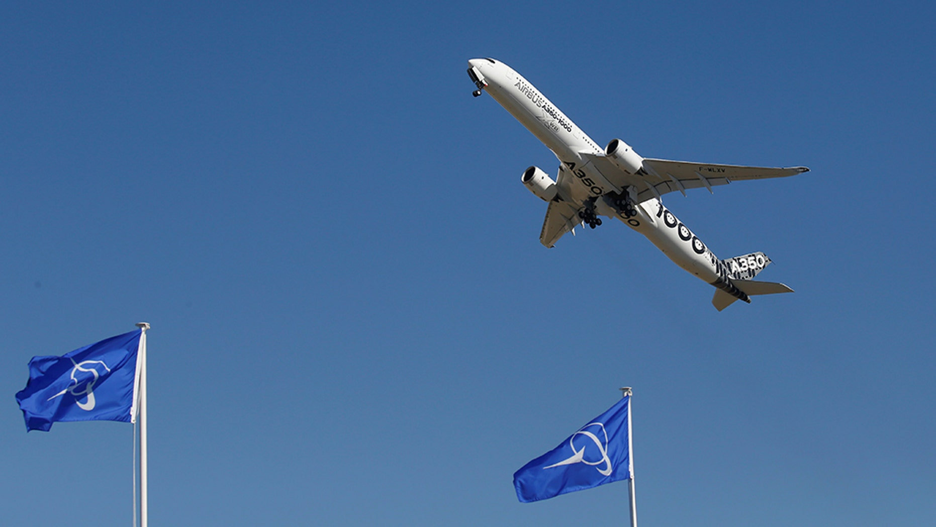 An Airbus A350 wowed people with its extreme takeoff.