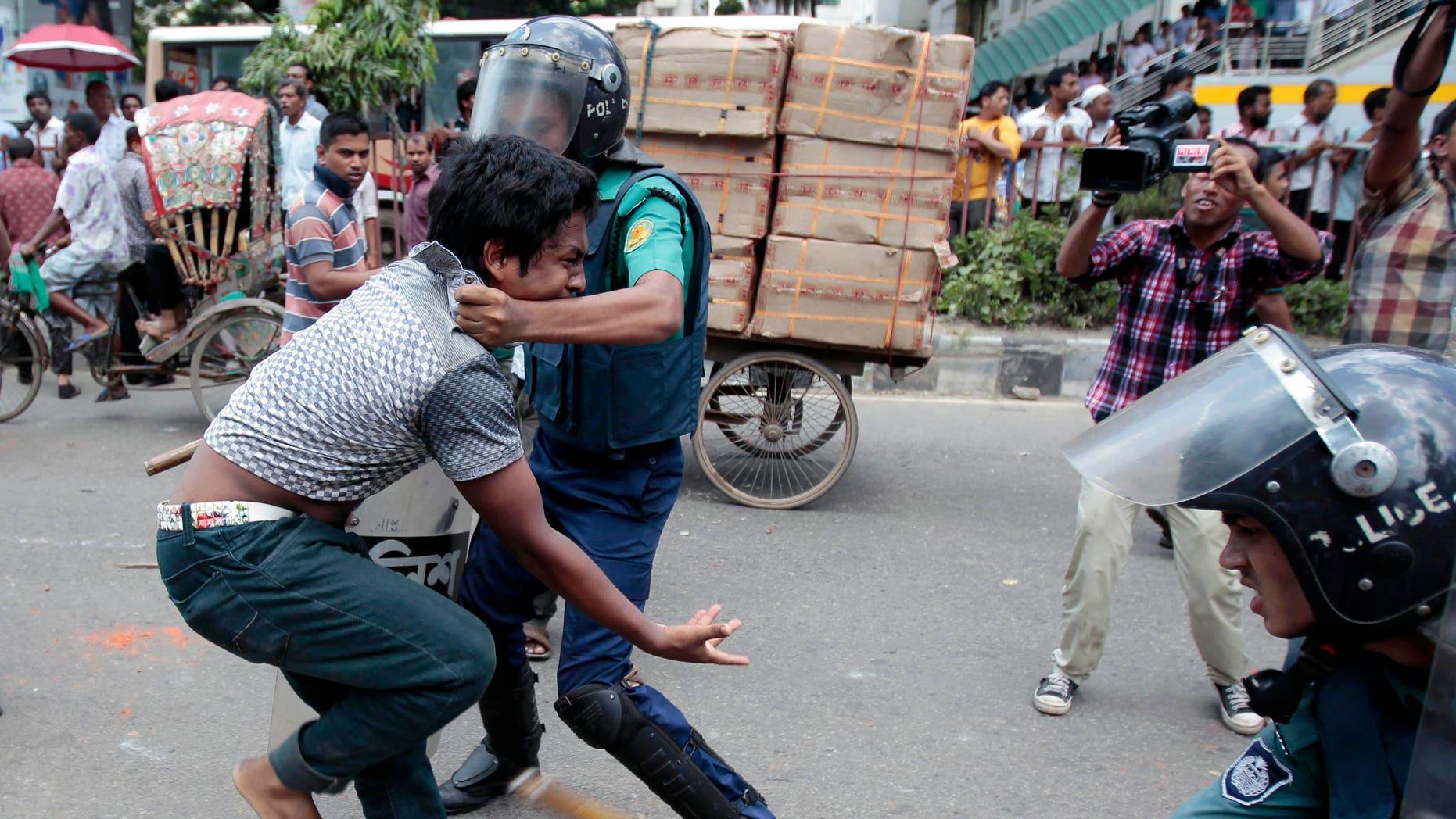 Film protesters, Dhaka police clash