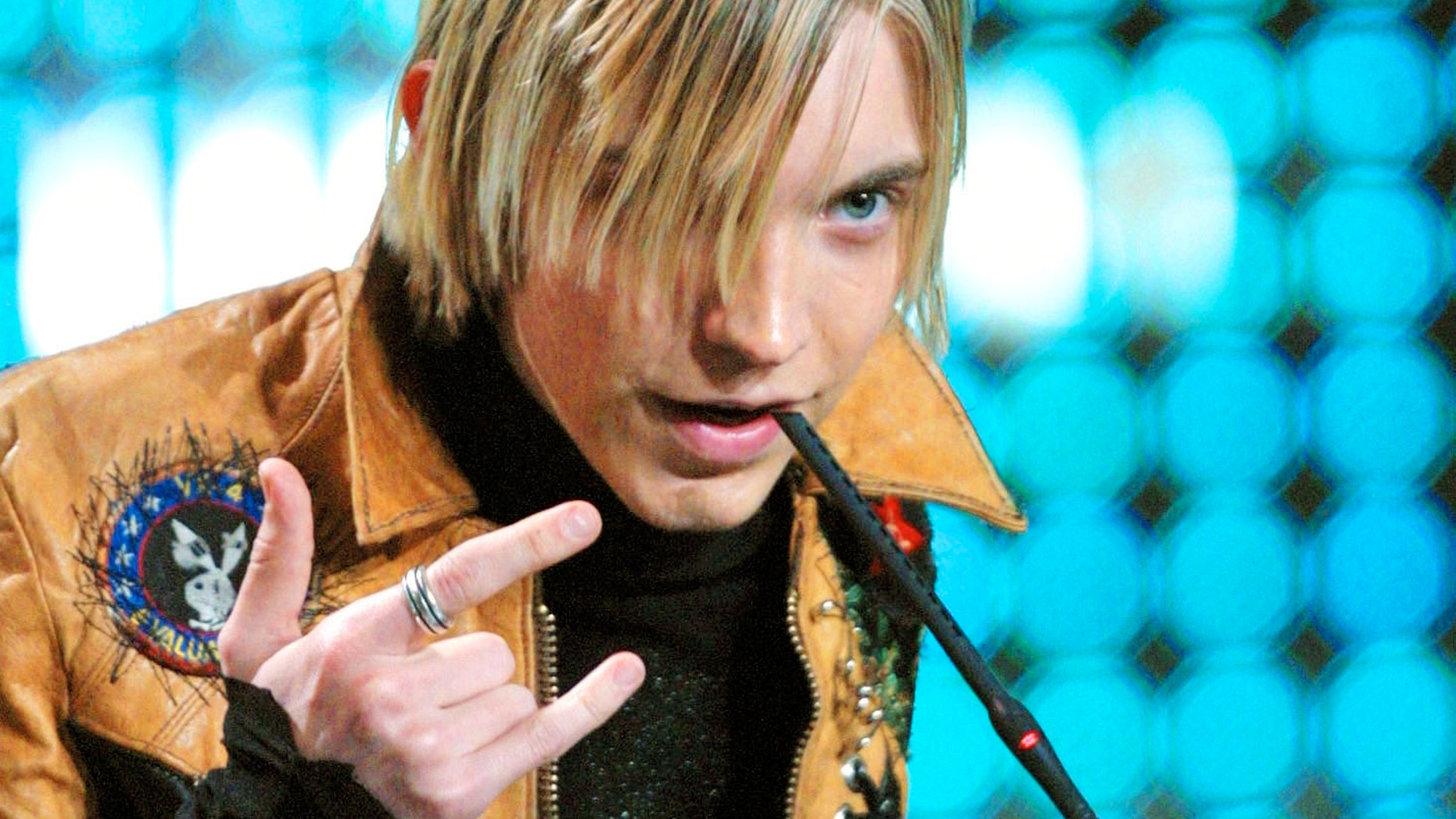 The Calling's lead singer Alex Band thanks the public after receiving the NRJ's best International Band award, January 18, 2003 in Cannes, southern France.