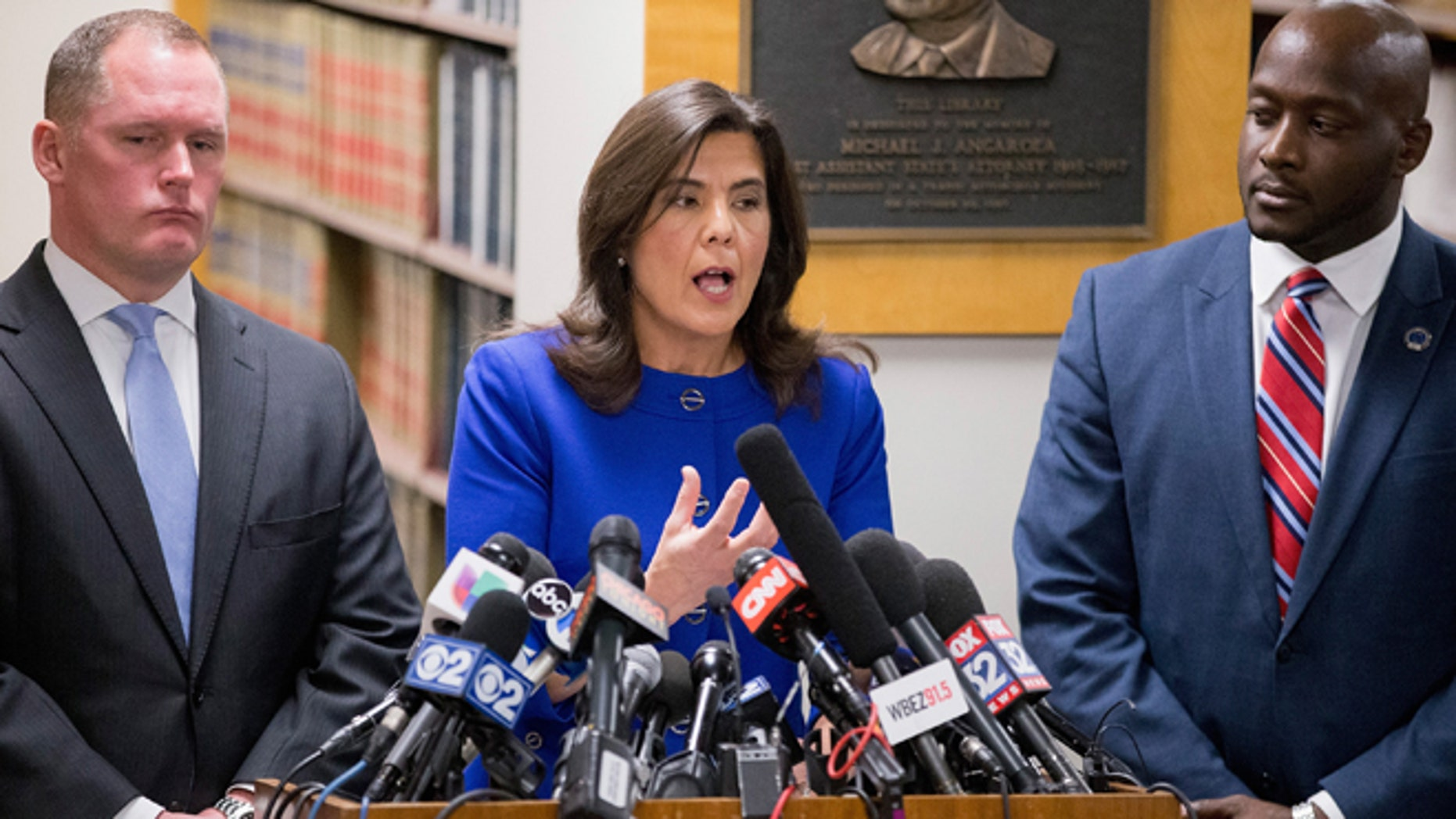 CHICAGO, IL - NOVEMBER 24:  Cook County State's Attorney Anita Alvarez speaks to the media about Chicago Police officer Jason Van Dyke following a bond hearing for Van Dyke at the Leighton Criminal Courts Building on November 24, 2015 in Chicago, Illinois. Van Dyke has been charged with first degree murder for shooting 17-year-old Laquan McDonald 16 times on October 20, 2014 after responding to a call of a knife wielding man who had threatened the complainant and was attempting to break into vehicles in a trucking yard.  (Photo by Scott Olson/Getty Images)