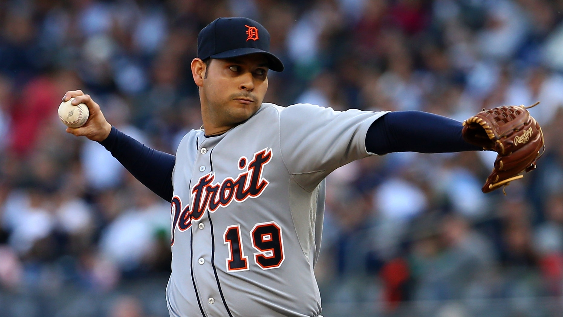 NEW YORK, NY - OCTOBER 14:  Anibal Sanchez #19 of the Detroit Tigers throws a pitch against the New York Yankees during Game Two of the American League Championship Series at Yankee Stadium on October 14, 2012 in the Bronx borough of New York City.  (Photo by Alex Trautwig/Getty Images)