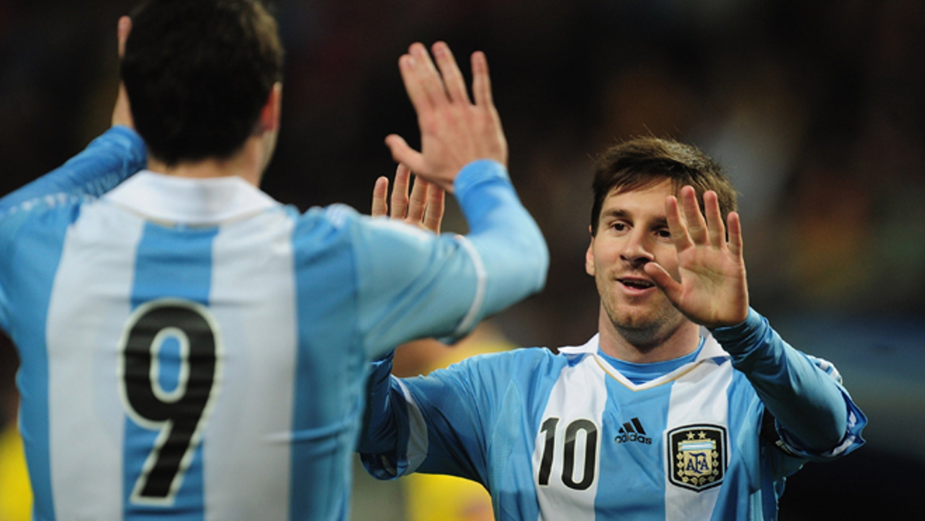 STOCKHOLM, SWEDEN - FEBRUARY 06:  Lionel Messi of Argentina in action during the International Friendly match between Sweden and Argentina at the Friends Arena on February 6, 2013 in Stockholm, Sweden.  (Photo by Jamie McDonald/Getty Images)