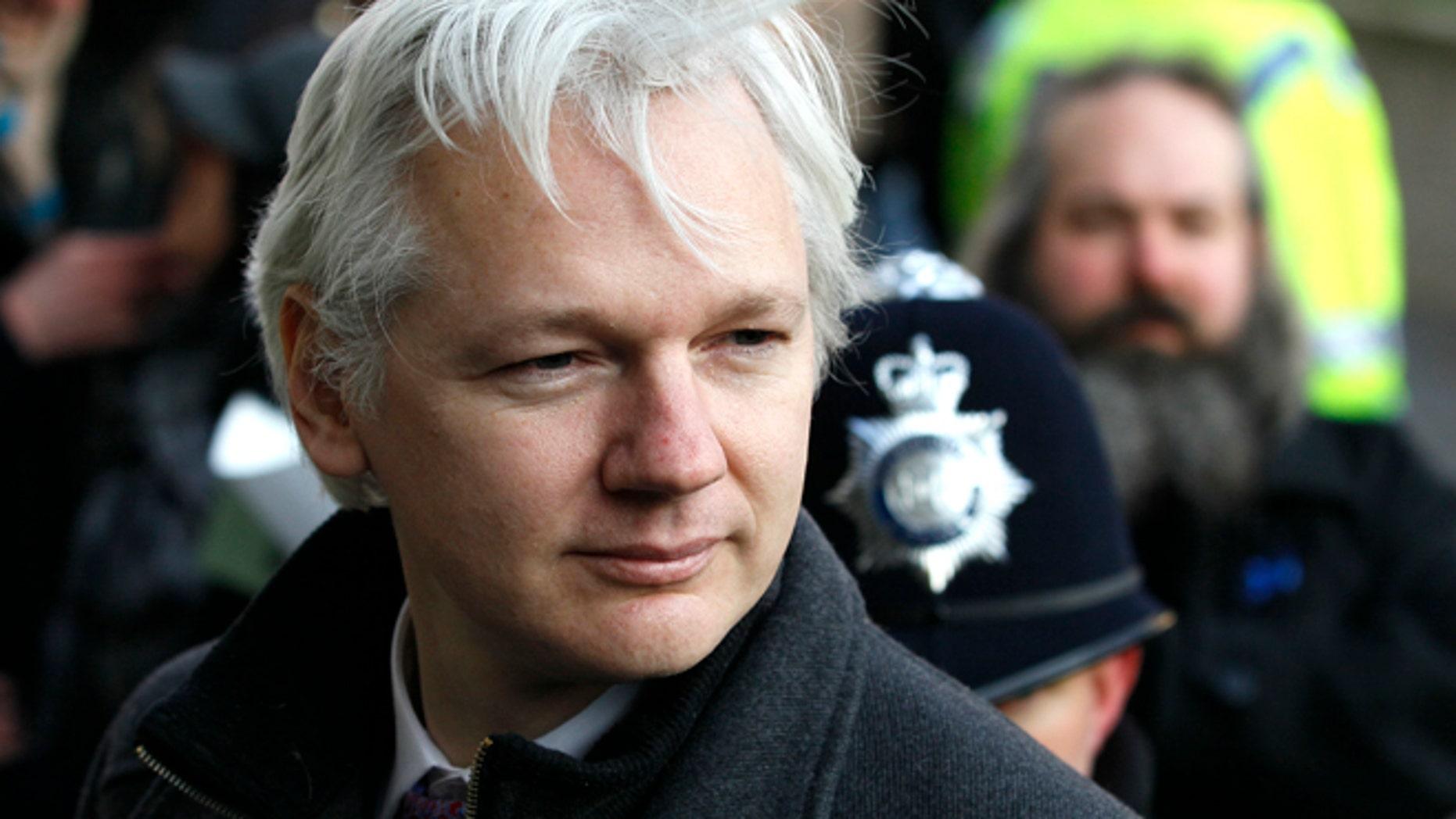 El fundador de WikiLeaks, Julian Assange, en esta fotografía de archivo del 1 de febrero de 2012, al llegar a la Corte Suprema en Londres. (Foto AP/Kirsty Wigglesworth, Archivo)
