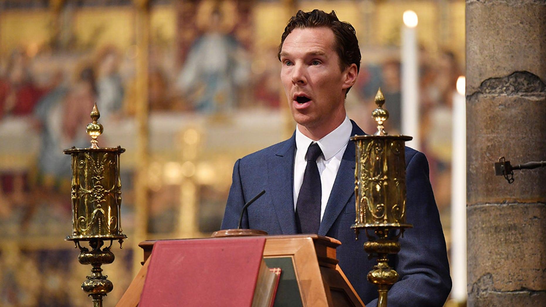 Avtor Benedict Cumberbatch speaks at Professor Stephen Hawking's memorial service at Westminster Abbey on June 15, 2018 in London, England.