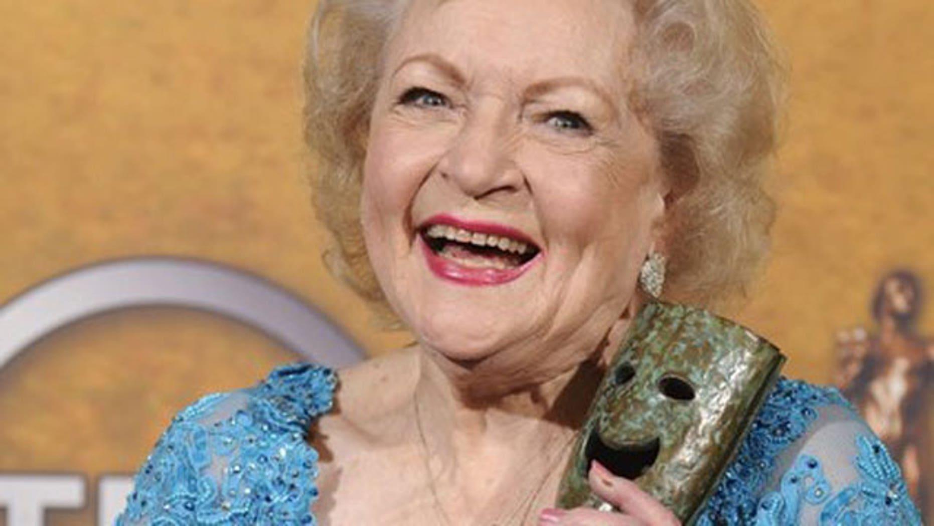 First she announced a 2011 calendar, now actress Betty White has scored a 2 book deal.