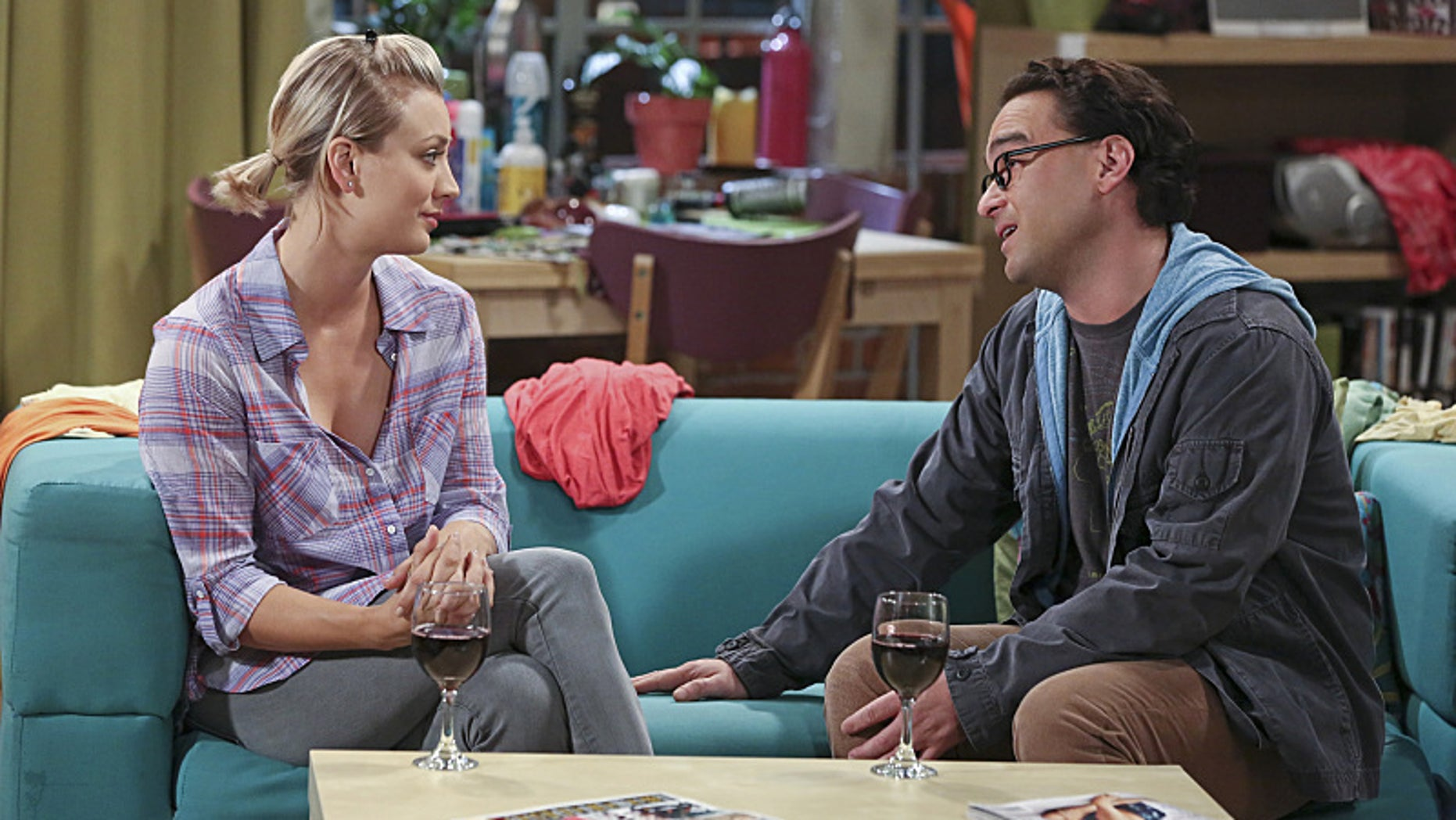 """The Separation Oscillation"" -- Leonard (Johnny Galecki, right) confronts the woman he kissed on the North Sea in an attempt to set Penny's (Kaley Cuoco-Sweeting, left) mind at ease, on THE BIG BANG THEORY, Monday, Sept. 28 (8:00-8:31 PM, ET/PT), on the CBS Television Network.  Photo: Michael Yarish/Warner Bros. Entertainment Inc. © 2015 WBEI. All rights reserved."