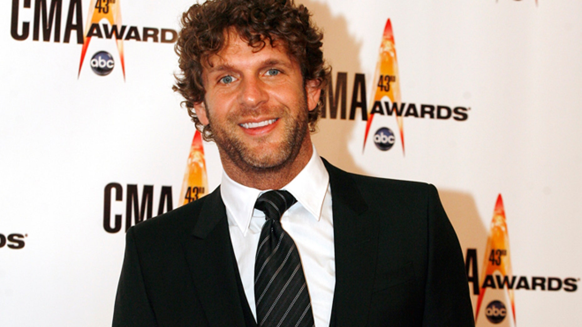 Nominee Billy Currington arrives at the 43rd annual Country Music Association Awards in Nashville Nov. 11, 2009.
