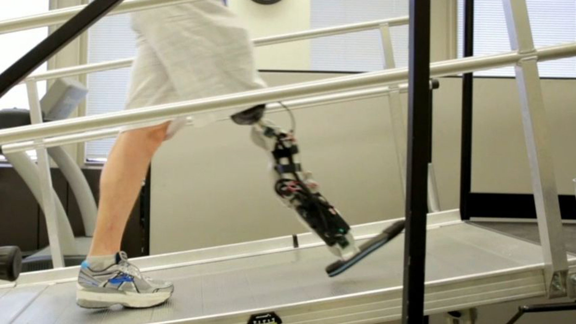 Zac Vawter, who lost his leg below the knee after a motorcycle accident four years, is the first amputee with a thought-controlled bionic leg.