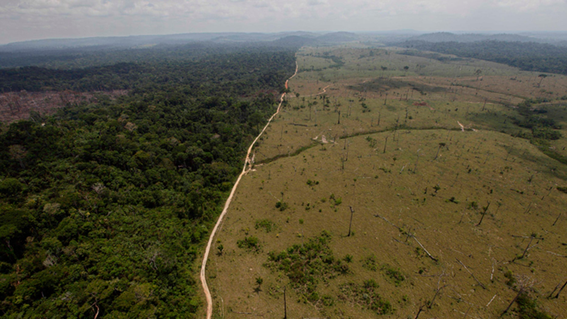 FILE - In this Sept. 15, 2009 file photo, a deforested area is seen near Novo Progresso in Brazil's northern state of Para.  Deforestation in Brazil's Amazon rainforest has dropped to its lowest level in 24 years, the government said Tuesday, Nov. 27, 2012. (AP Photo/Andre Penner, File)