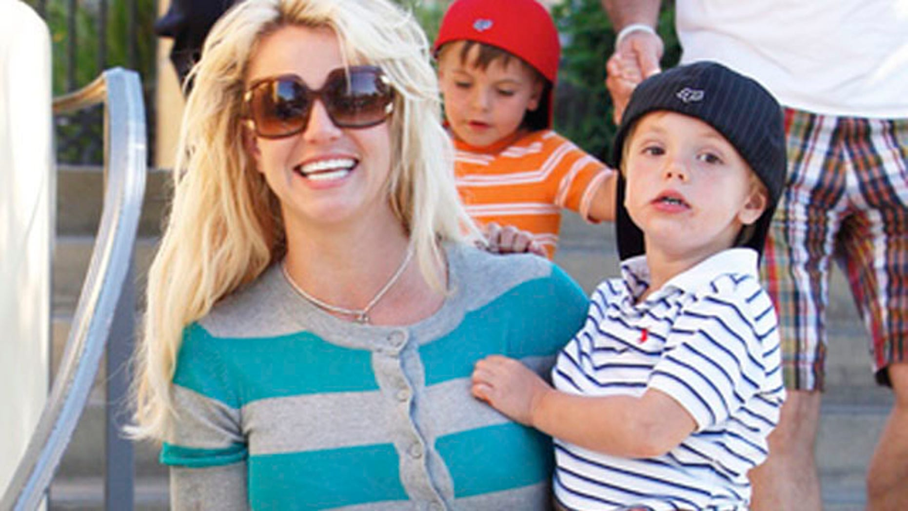 June 4: Britney Spears and her father Jamie take Sean Preston and Jayden to Johnny Rockets in Calabasas.