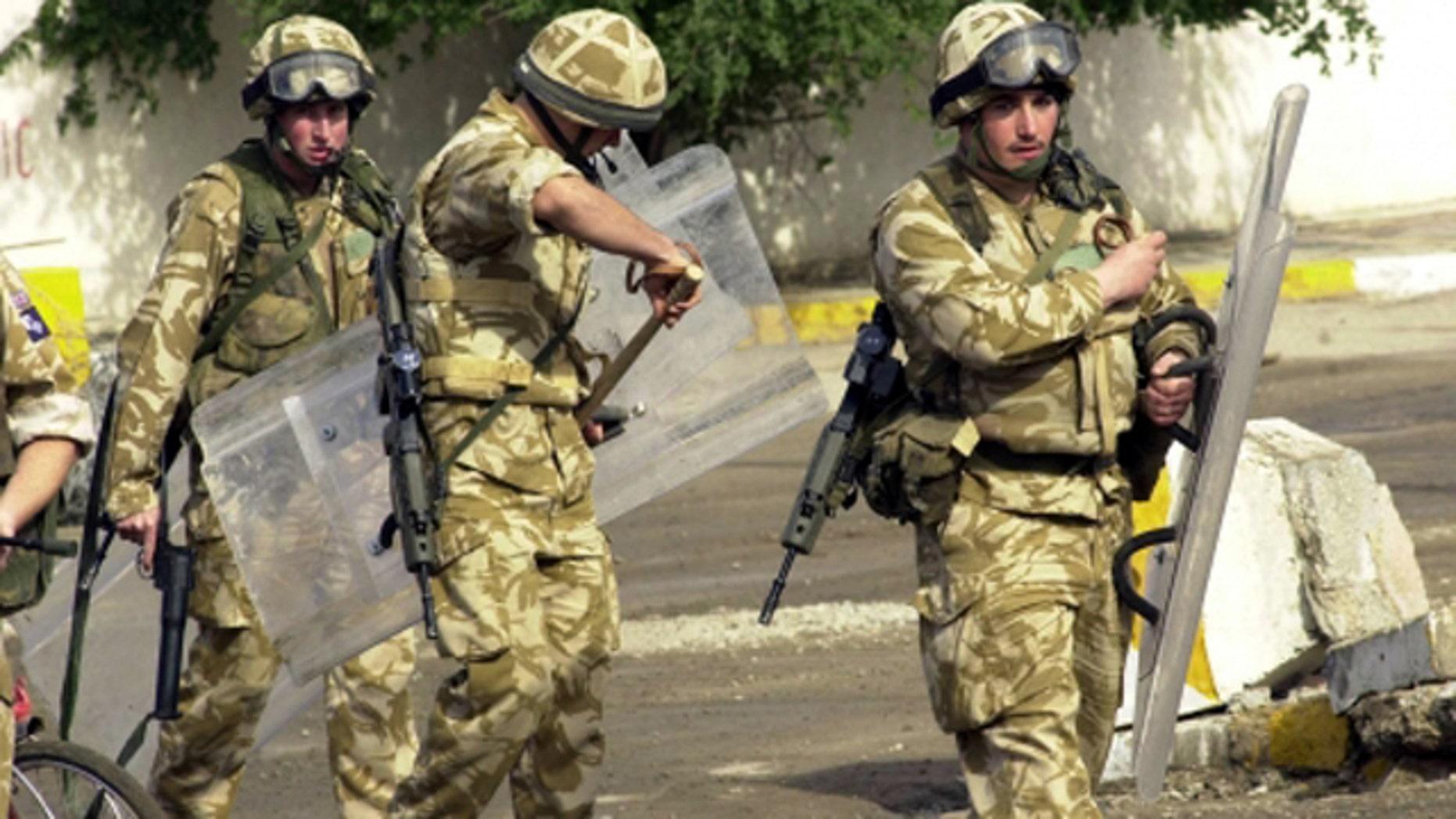 British soldiers on patrol in Iraq in 2004. (AP)