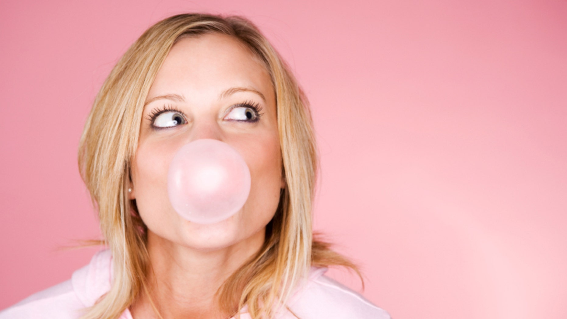 6 Gross Side Effects Of Chewing Gum
