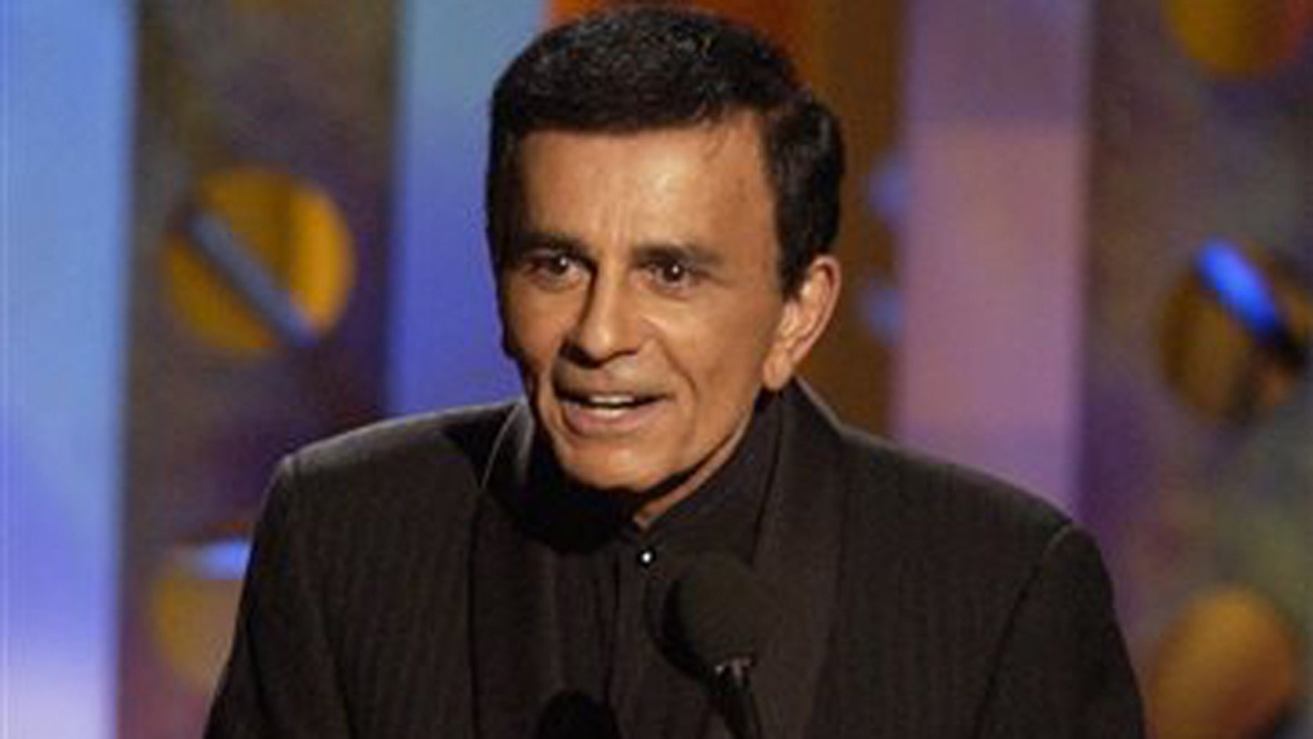 FILE - In this Monday, Oct. 27, 2003 file photo, Casey Kasem accepts a radio icon award during the Radio Music Awards in Las Vegas. Kasem, the smooth-voiced radio broadcaster who became the king of the top 40 countdown, died Sunday, June 15, 2014, according to Danny Deraney, publicist for Kasem's daughter, Kerri. He was 82. (AP Photo/Joe Cavaretta, file)