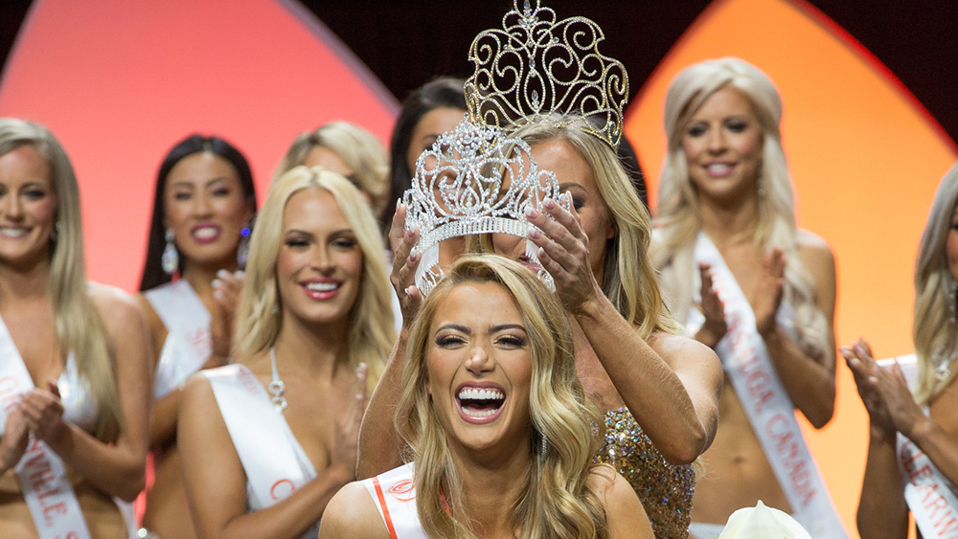Chelsea Morgensen was crowned 2017 Miss Hooters International