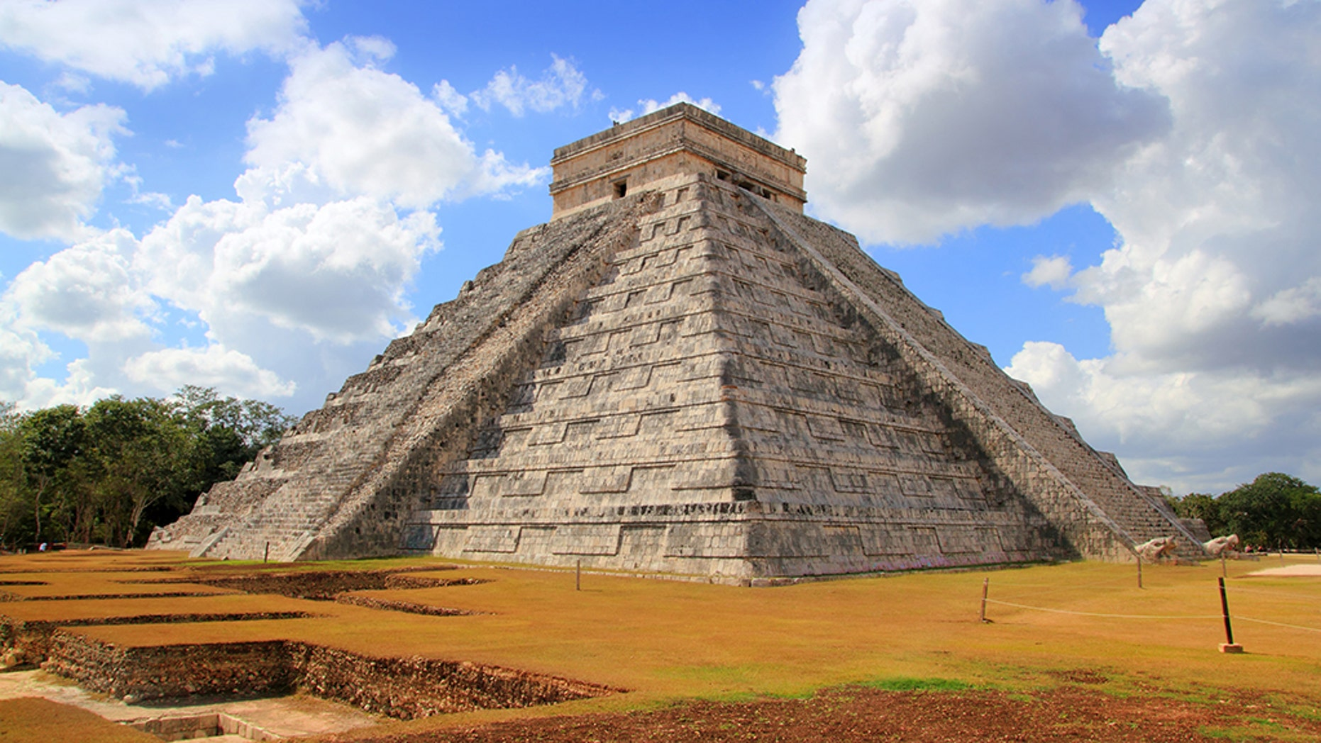 Chichen Itza Kukulcan Mayan Pyramid new underground excavation discoveries