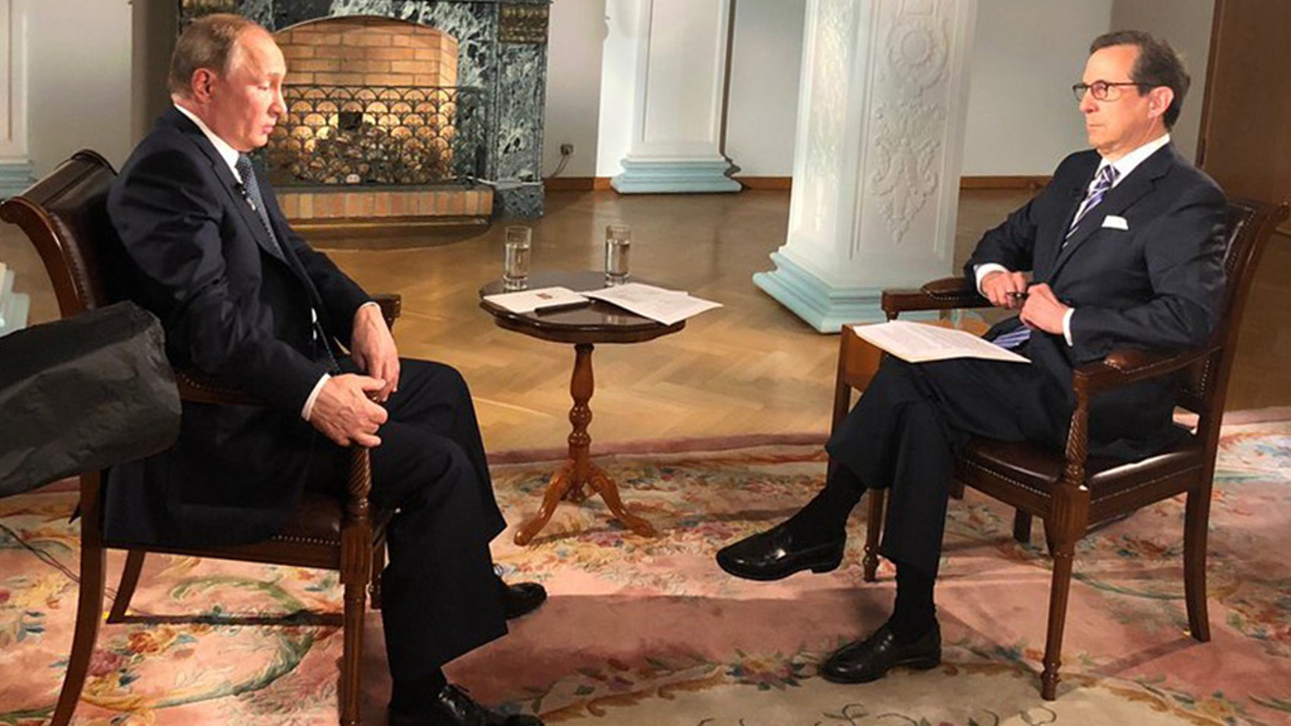 Fox News host Chris Wallace received praise for a recent interview with Russian President Vladimir Putin.
