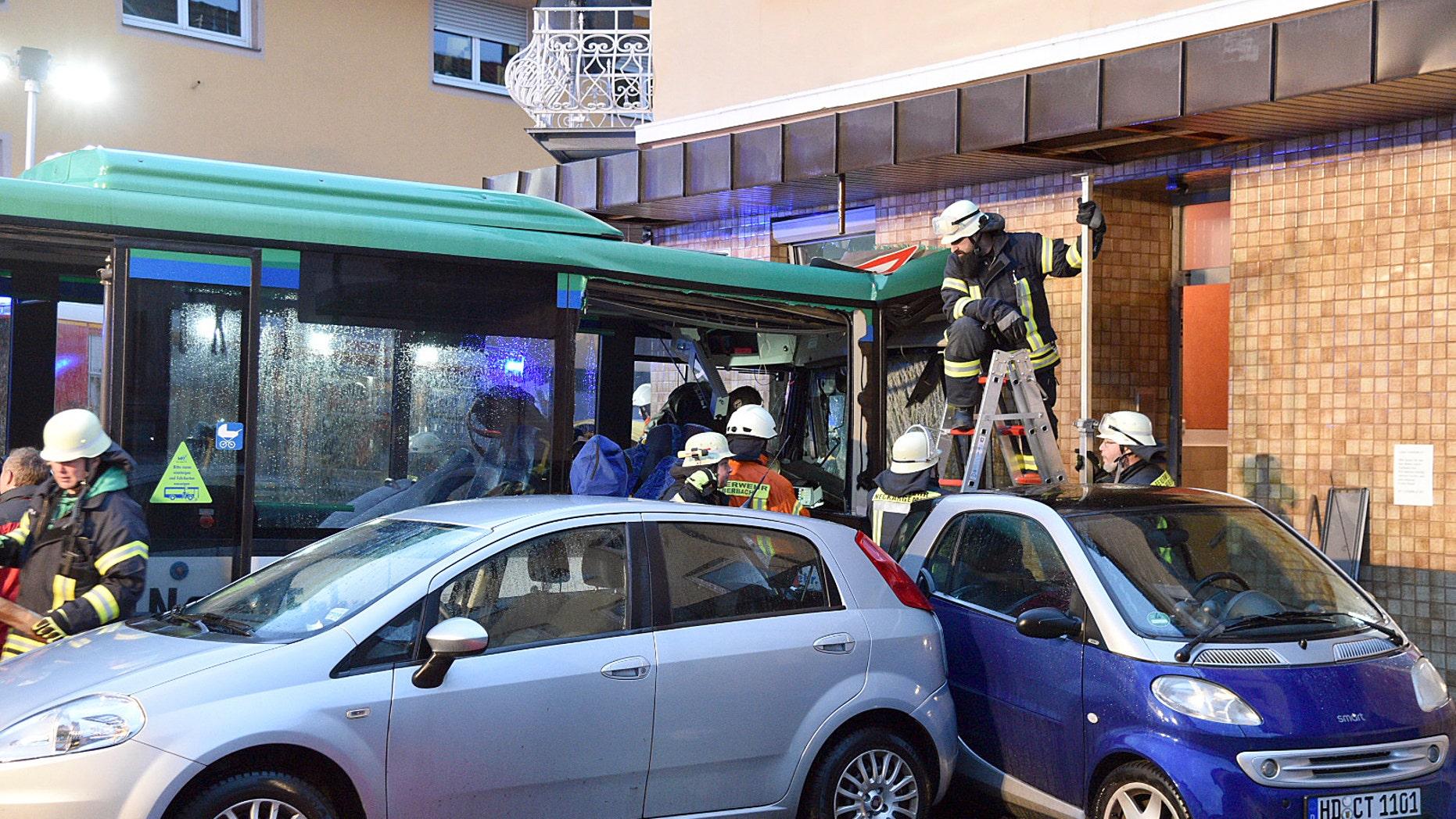 21 children injured in German school bus accident | Fox News