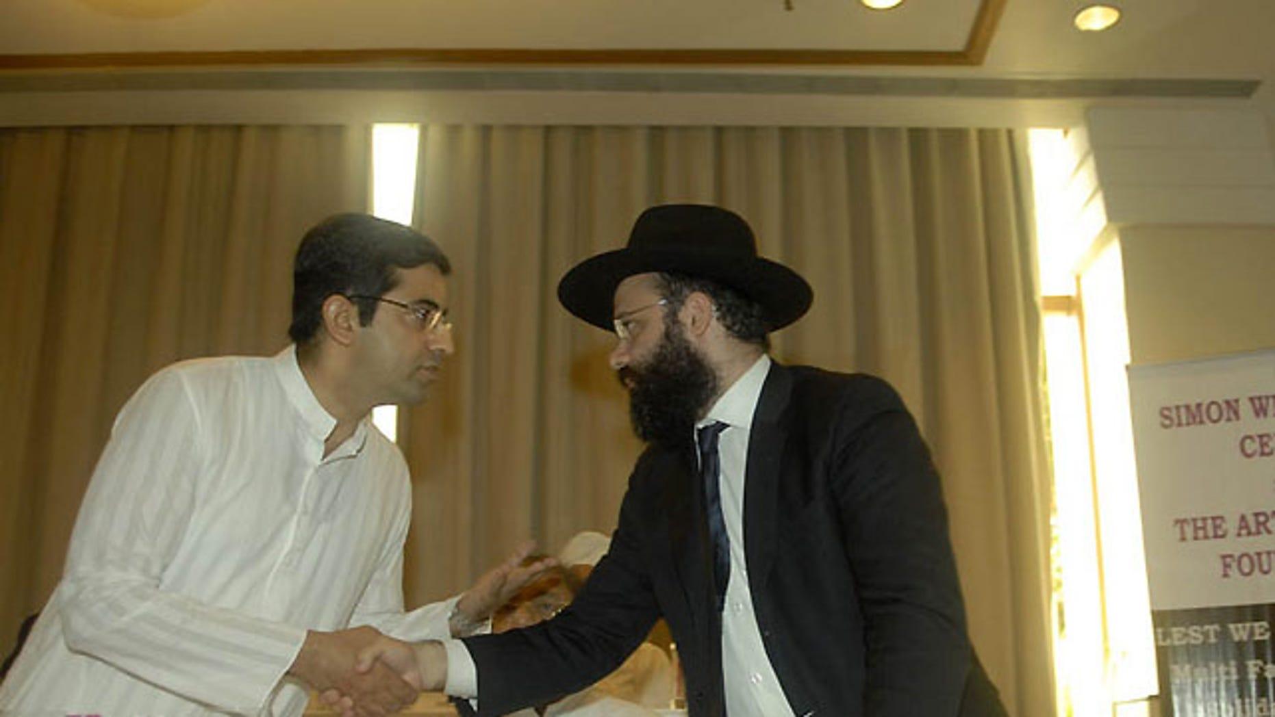 Mr. Rajat Malhotra of the Center For Peace & Spirituality (right) and Rabbi Avraham Berkowitz (left)