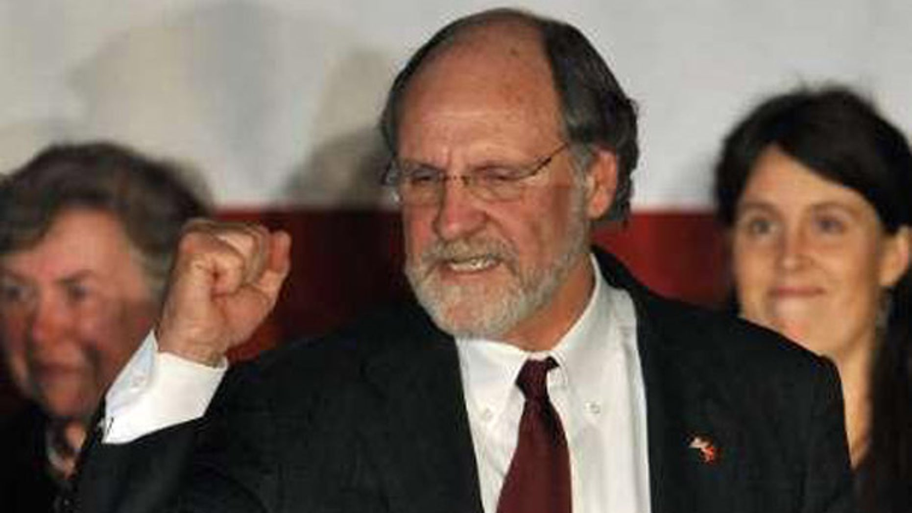 New Jersey Governor Jon Corzine (D-NJ) concedes defeat to GOP candidate Chris Christie at his election headquarters in East Brunswick, New Jersey, November 3, 2009. (Reuters)