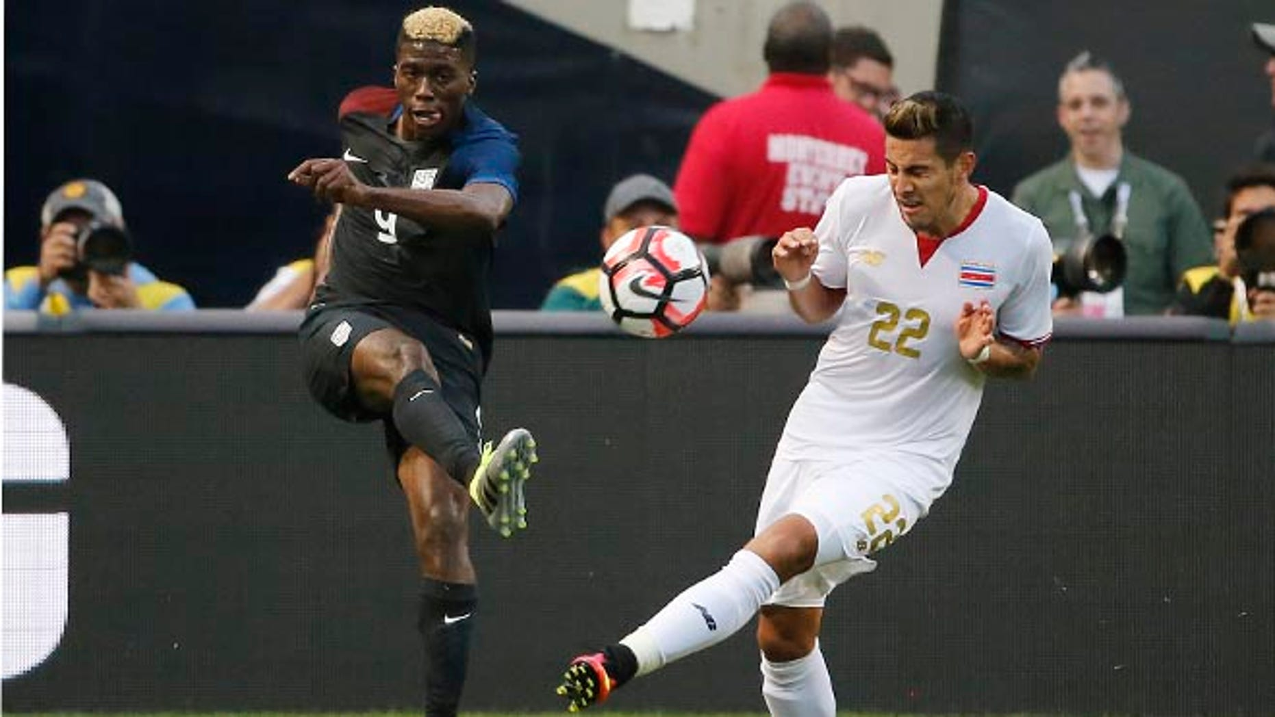 United States' Gyasi Zerdes and Costa Rica's Ronald Matarrita during a Copa America match on June 7, 2016.